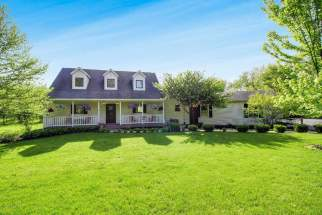 SOLD FOR $427,000